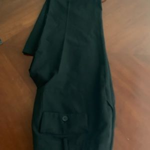 MICHAEL KORS BLACK DRESS PANTS. SIZE 8.